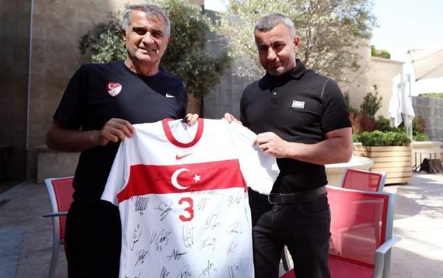 Qurban Qurbanov Türkiyə millisini ziyarət etdi -