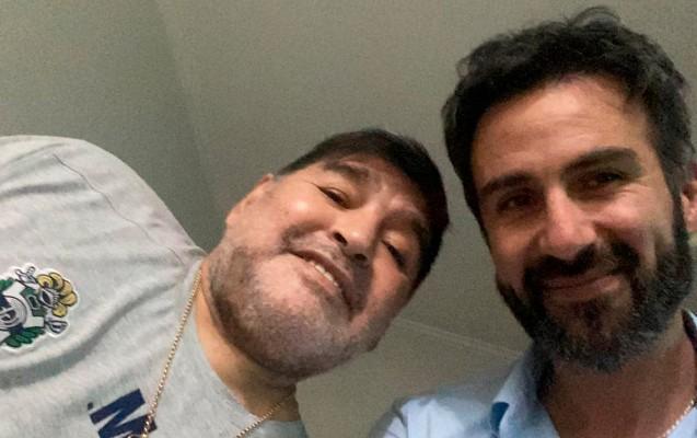 Dieqo Maradonanı öldürən həkim məhkəmə qarşısında