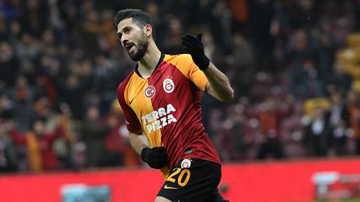 """""""Qalatasaray"""" futbolçusu Emre Akbaba ilə müqaviləni yenilədi"""