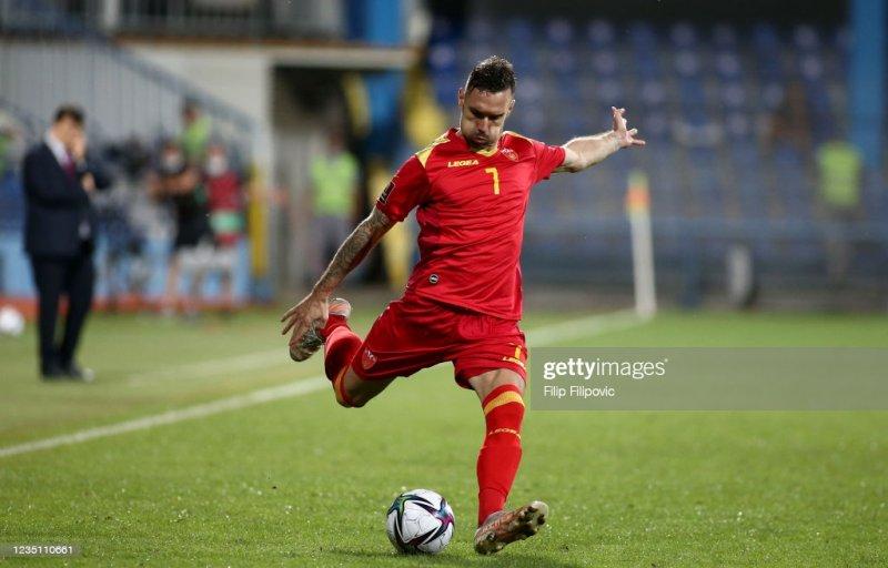 """""""Qarabağ""""ın futbolçusu Marko Veşoviç meydandan qovuldu"""